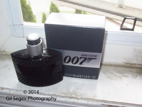 Eon Productions James Bond 007 box+bottle